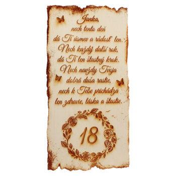 Drevená tabuľka s menom k narodeninám